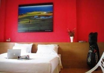 Hotel Palm Driving Range & Resort