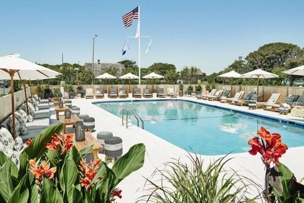 Hotel Hero Beach Club