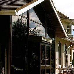 Hotel Cedar Lodge