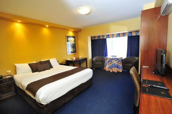 Hotel The Clifton and Grittleton Lodge