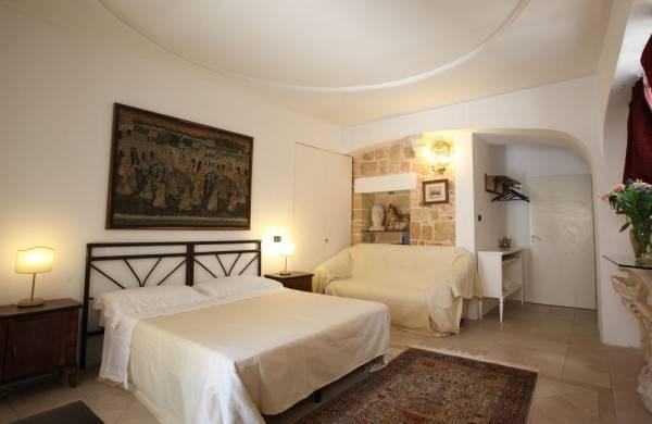 Hotel Chiesa Greca B&B Suites