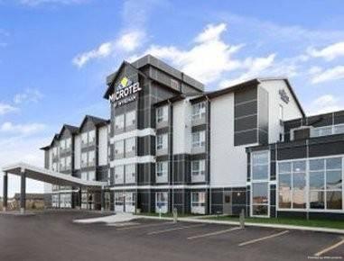 Hotel Microtel Weyburn