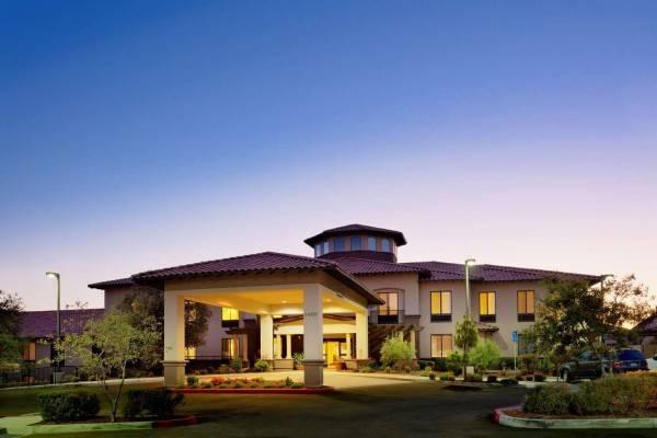 Hampton Inn - Suites Arroyo Grande-Pismo Beach Area CA