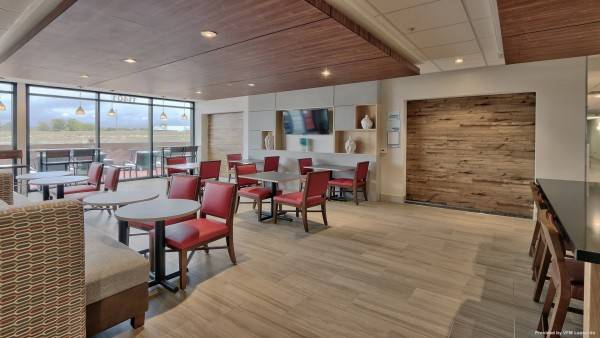Holiday Inn Express & Suites DENVER NORTHWEST - BROOMFIELD