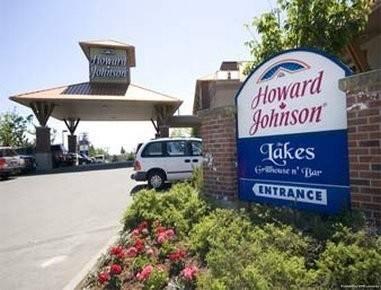 HoJo Hotel Victoria Elk Lake