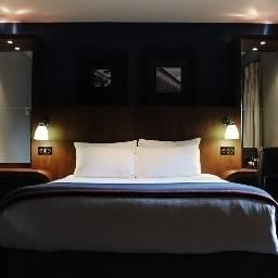 Hotel Village Warrington