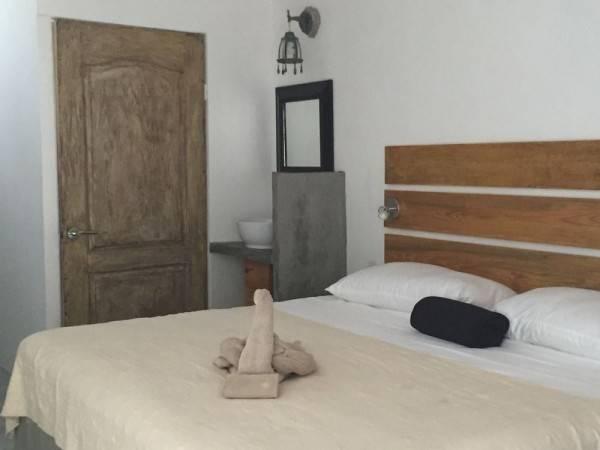 Hotel & Hostel El Punto