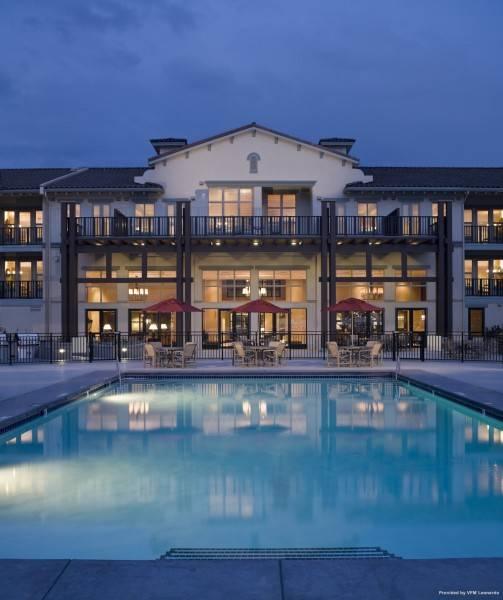 Hotel WALNUT BEACH RESORT