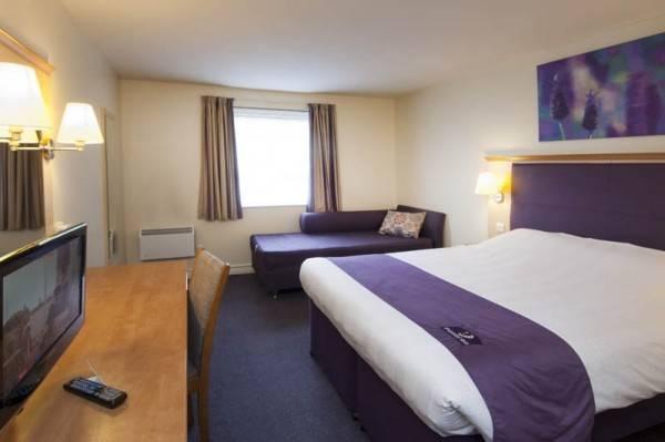 Premier Inn Leeds East