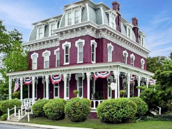 Hotel Lovelace Manor Bed & Breakfast