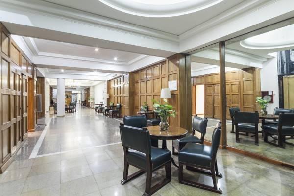 Suites Catalinas Hotel
