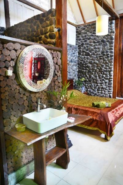 Hotel The Riverside Javanese Cottages