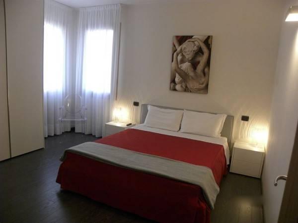 Hotel Venice Apartments Dante