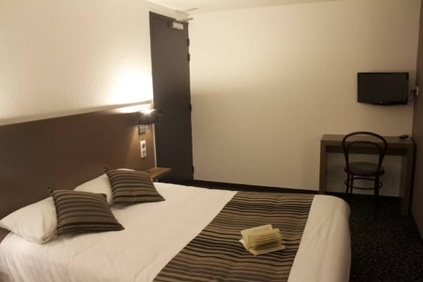 Brit Hotel le Kerotel