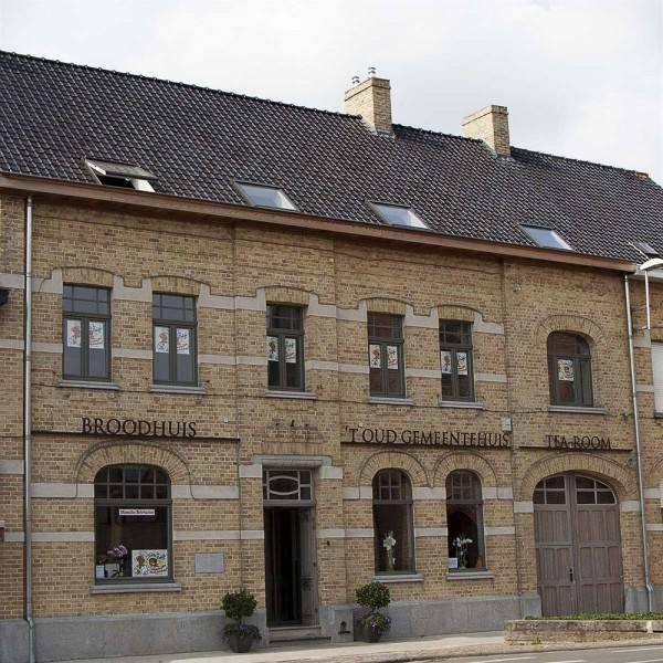Hotel 't Oud gemeentehuis Poelkapelle