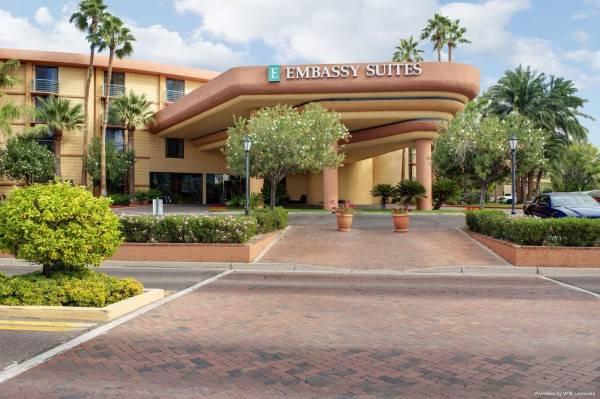 Hotel Embassy Suites by Hilton Phoenix Biltmore