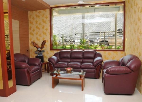 Hotel Everest Park Residency