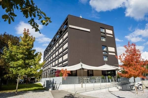 HOTEL APART – Welcoming I Urban Feel I Design