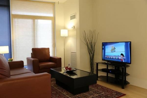 Hotel Duke Furnished Suites 330