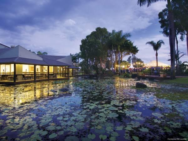 Hotel Oaks Oasis Resort