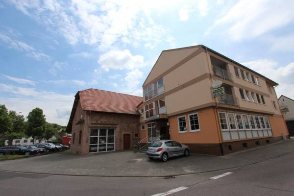 Zur Alten Scheune Hotel-Restaurant