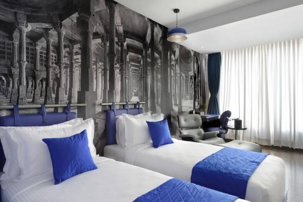 Hotel Regenta Central Antarim