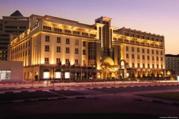 Дубай отель мовенпик 5 купить дом в ницце на берегу моря