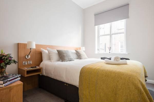 Hotel Premier Suites Reading