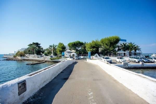 Isola Lo Scoglio Hotel