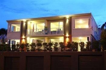 Hotel Roslyn Apartments