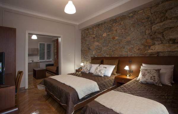 Hotel Ambrosia Suites & Aparts.