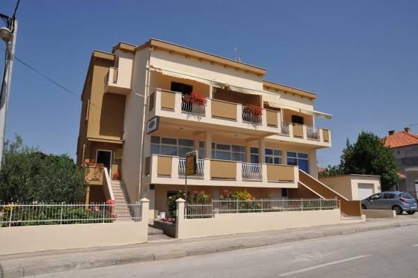 Hotel Apartments Amico
