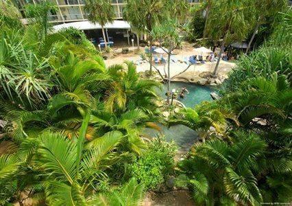 Hotel Mantra Club Crocodile Airlie Beach