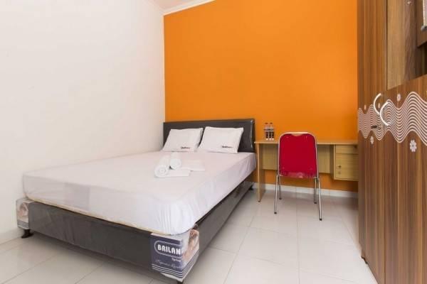 Hotel RedDoorz @ Pekayon Bekasi