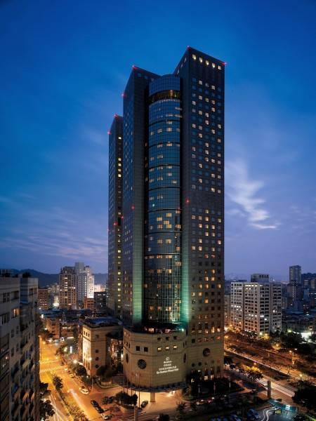 Taipei Shangri La's Far Eastern Plaza Hotel