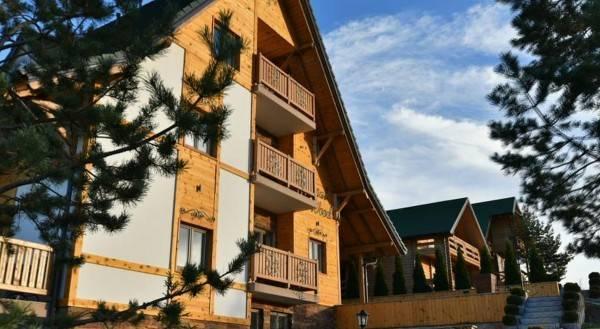 Hotel Villa Natural Wood