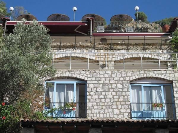 Hotel Serena Suites