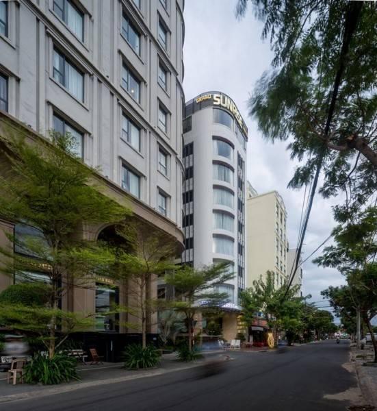 Hotel Grand Sunrise