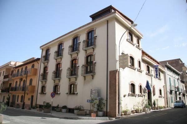 U'Bais Hotel