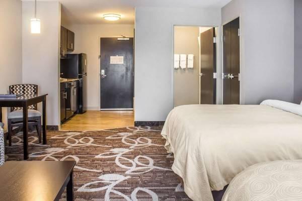 Hotel MainStay Suites University