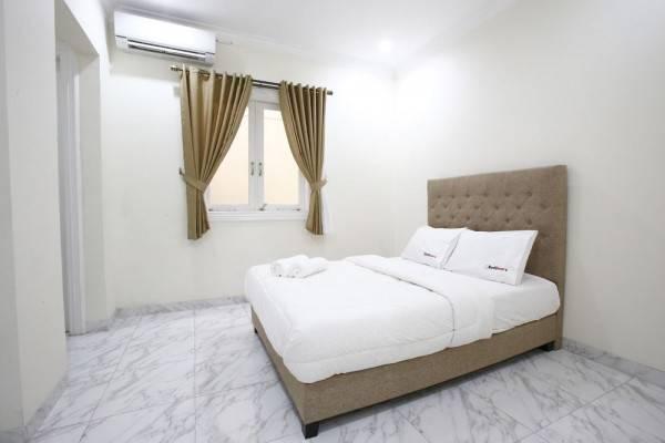 Hotel RedDoorz @ Pondok Indah 2