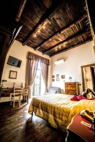 Hotel San Gennaro Bed