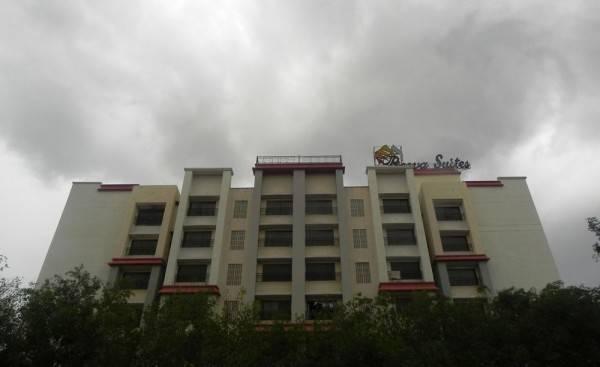 Hotel Reeva Suites
