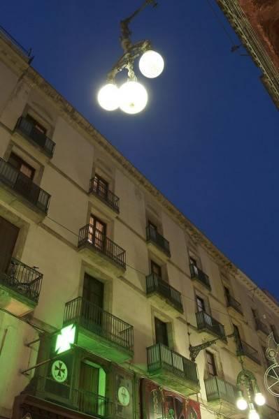 Hotel Aspasios Plaza Real Apartments