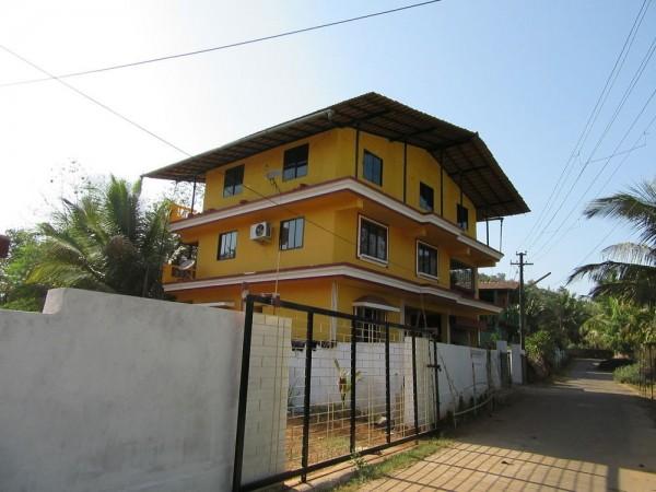 Hotel Mandrem Beach Guest House Goa