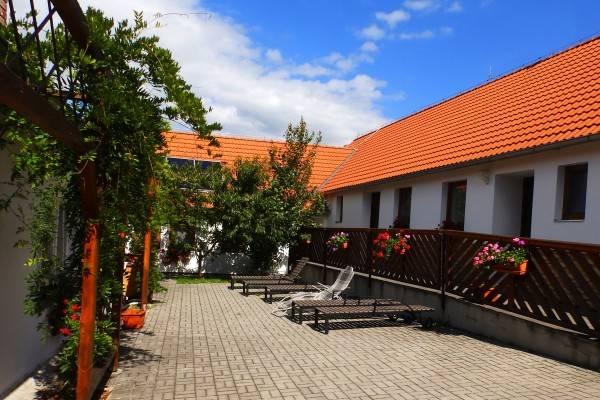 Hotel Penzion Mezilesí
