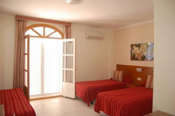 Hotel Hostal Marazul
