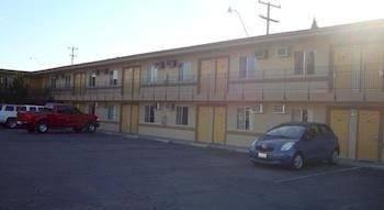 Villager Inn Selma