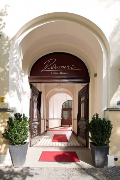 Hotel REWARI
