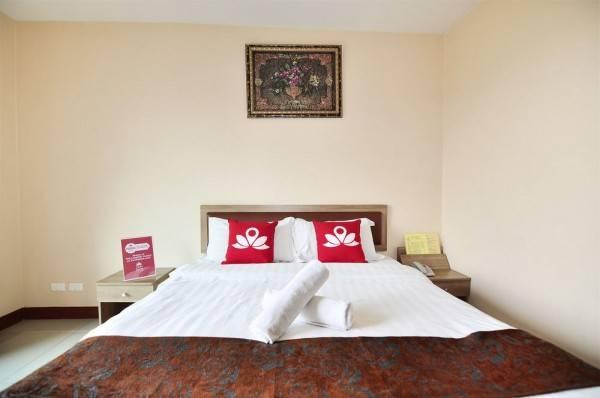 Hotel ZEN Rooms Inthamara Soi 49